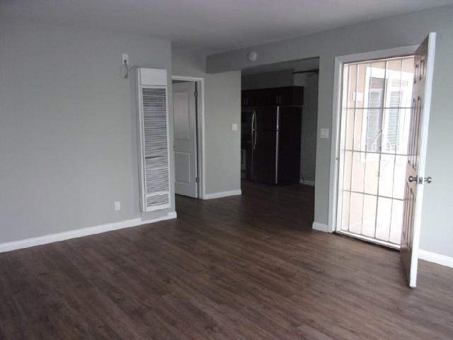 1 Bedroom XL Floor Plan Move-in Special